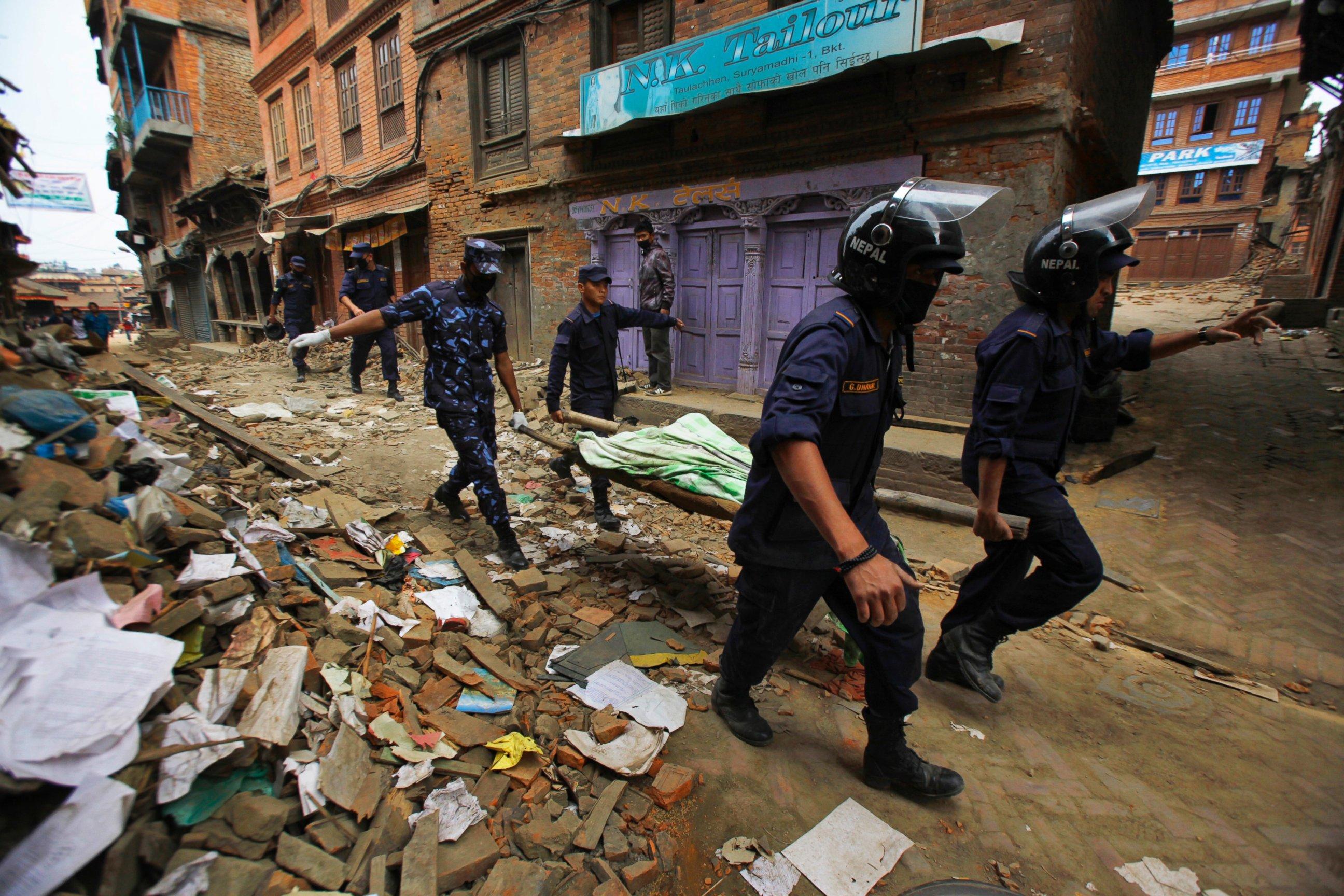 GTY_nepal_earthquake_7_jt_150426