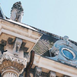 casa_cu_lei_detalii_centru_istoric_cavaleria_constanta