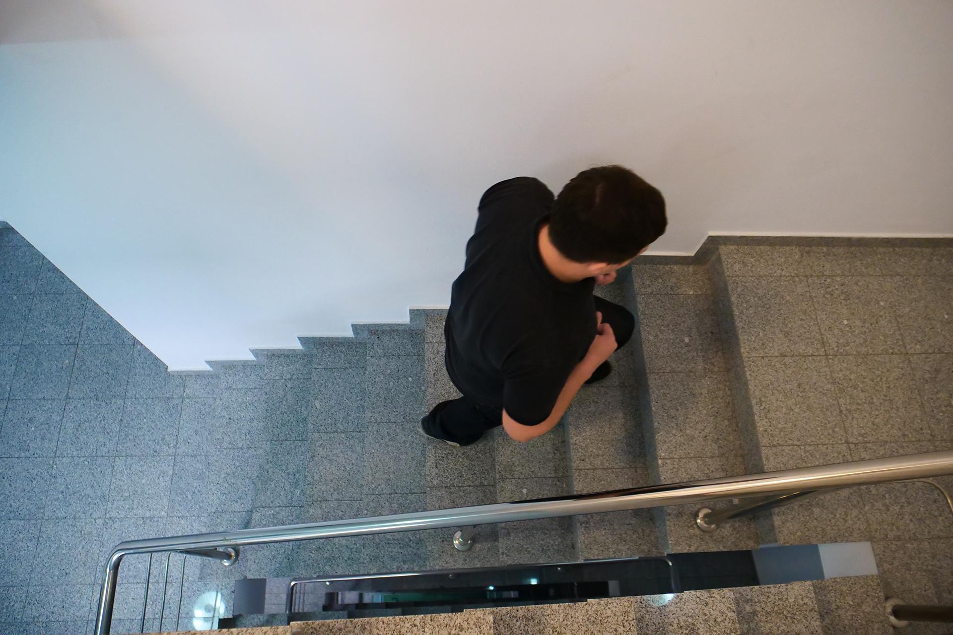 Scările, mai bune decât sala de fitness. Vezi cum să slăbeşti urcând pe scări!
